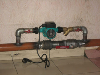 Как врезать циркуляционный насос в систему отопления?