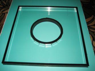 Отверстие в стекле для вентиляции