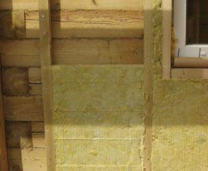 Каким утеплителем лучше утеплить деревянный дом снаружи?